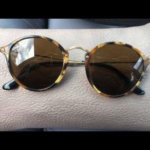 Ray ban sunglasses EUC